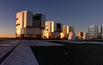 Mounted image 166: Panorama of Sunset on Paranal