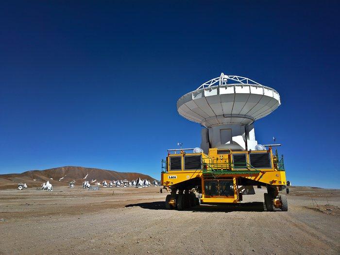 ALMA transporter with antenna