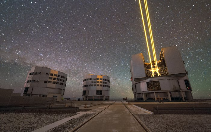 Four lasers light up Paranal