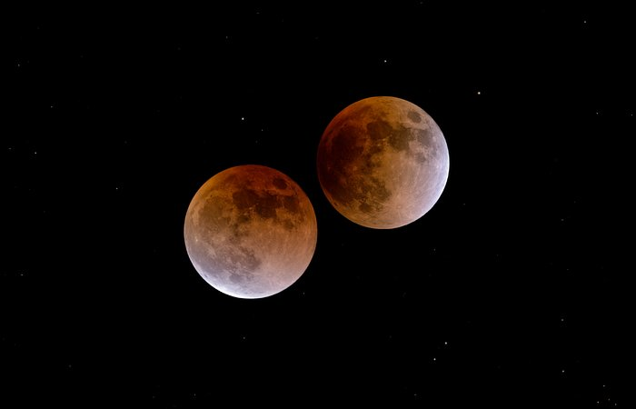 A lunar eclipse: beginning and end