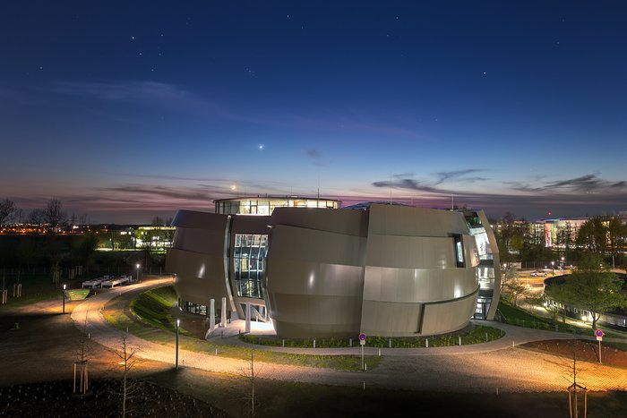 The ESO Supernova Planetarium & Visitor Centre