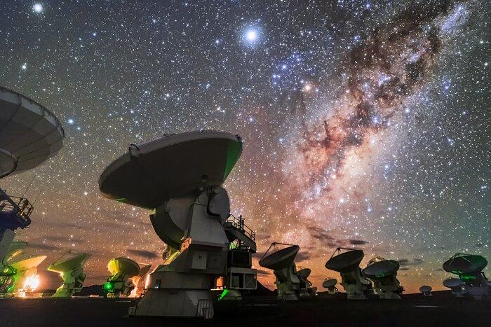 Veduta notturna di ALMA - 2