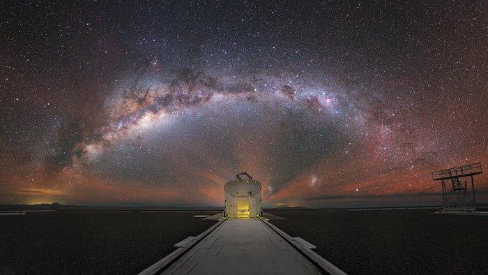 Milky Way behind a VLT Auxiliary Telescope