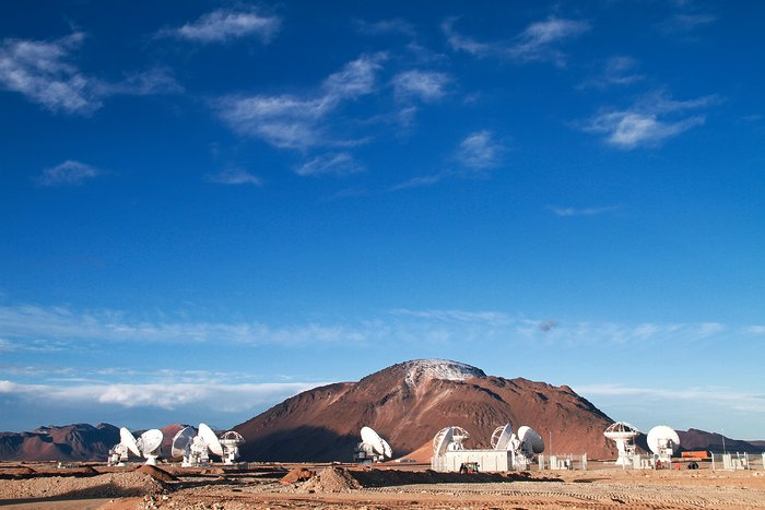 13 Antennas at the ALMA AOS