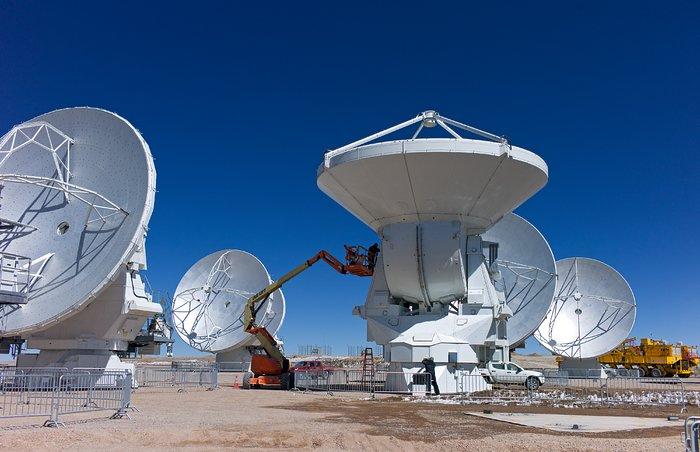 Working on the ALMA antennas