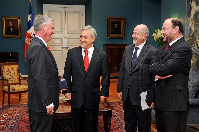 Director General de ESO se reúne con el Presidente de Chile