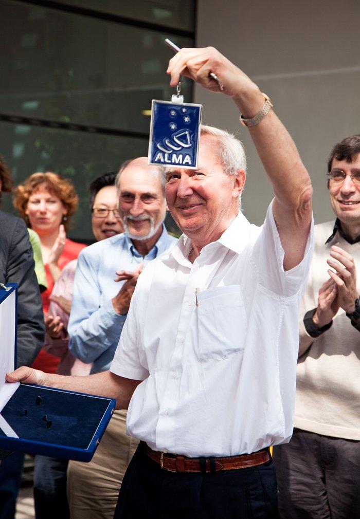Thijs de Graauw, recipient of the Joseph Weber Award
