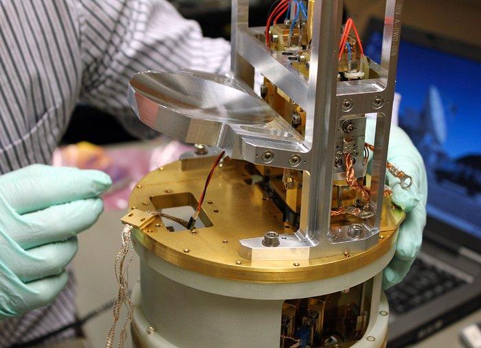 Uno de los receptores de banda 5 para ALMA
