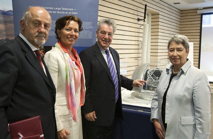 O Presidente da Áustria por ocasião da sua visita às instalações do ESO no Chile