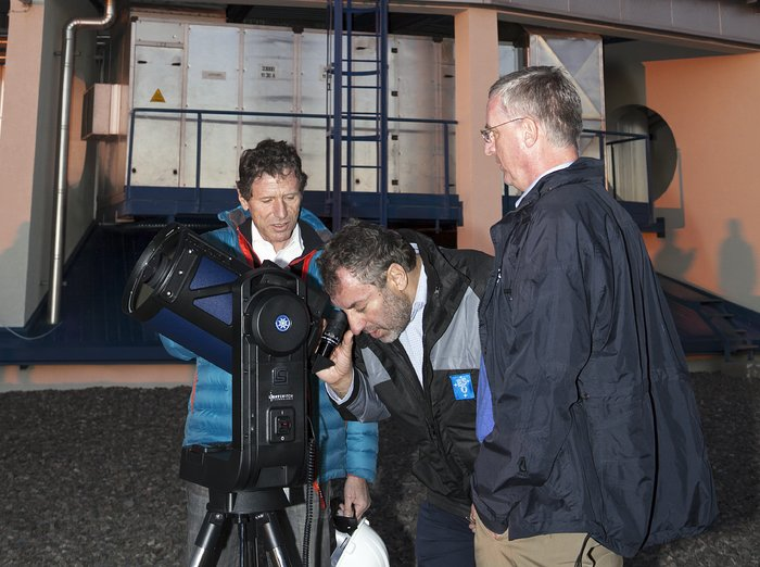 Austrian and Portuguese Ministers for Science visit Paranal