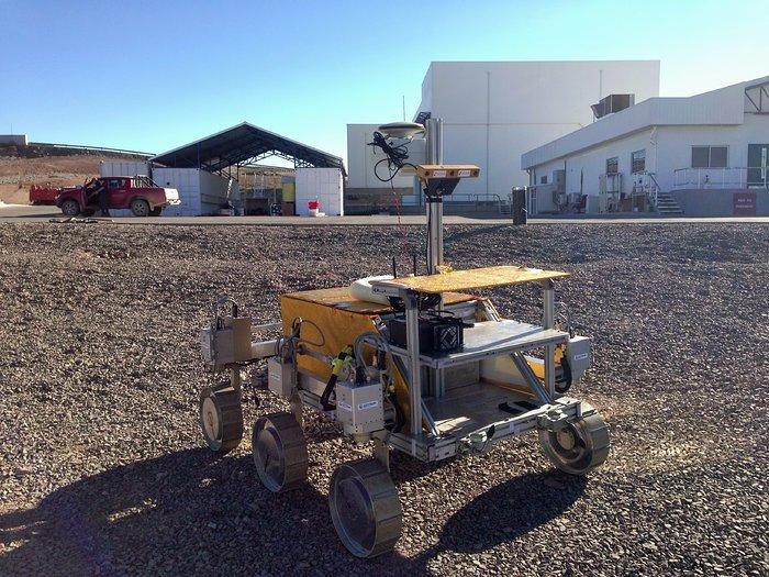 Test eines Mars-Rovers in der Nähe des Paranal-Observatoriums