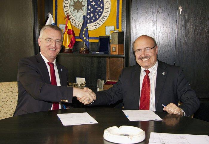 Die ESO und das Instituto de Astrofísica de Canarias unterzeichnen Vereinbarung über die Zusammenarbeit bei Adaptiver Optik
