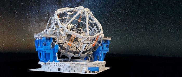 Hochaufgelöstes Foto des E-ELT LEGO-Modells
