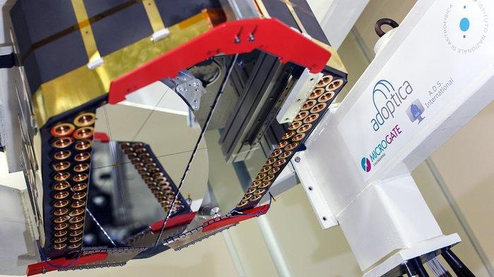 Unidad del espejo adaptativo para el E-ELT se prueba en AdOptica