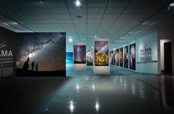 Se inaugura exposición de ALMA en Santiago