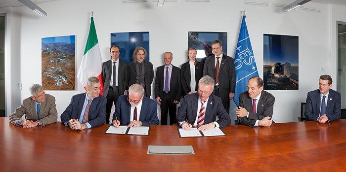 Vereinbarung für MAORY, das System Adaptiver Optik des E-ELT, unterzeichnet