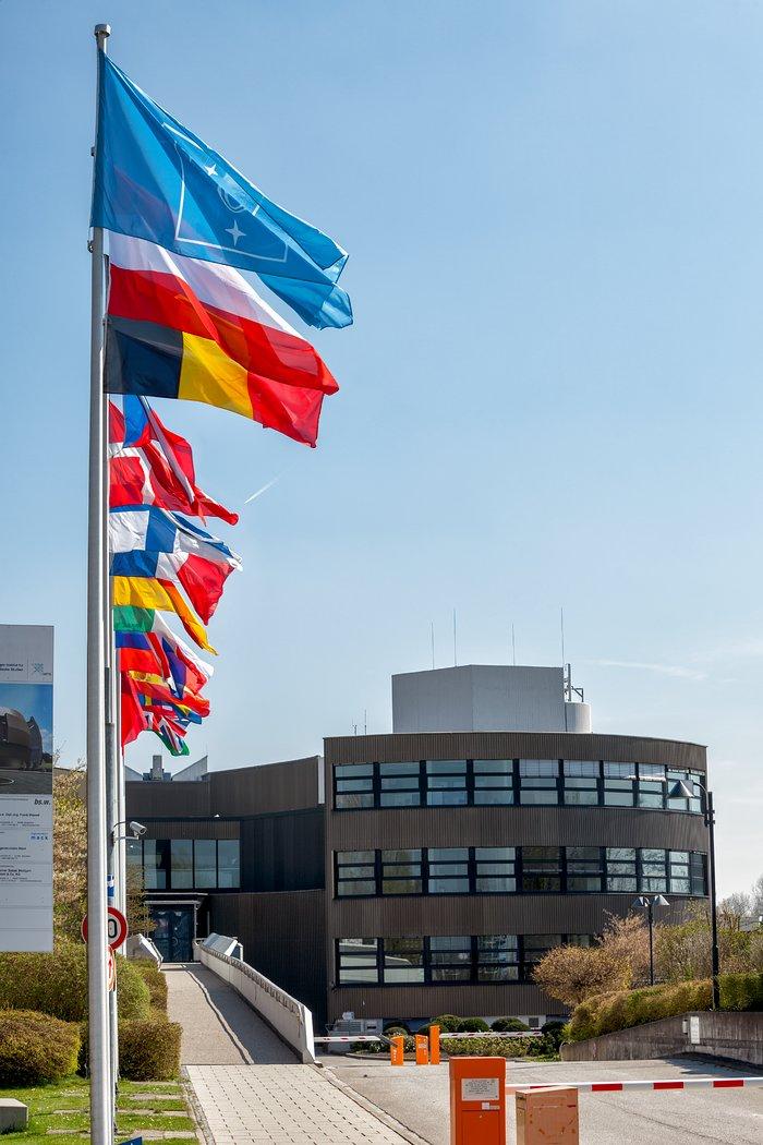 Le bandiere degli stati membri dell'ESO