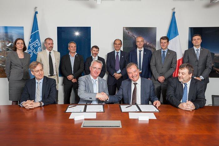 El contrato para el pulido del M2 es firmado