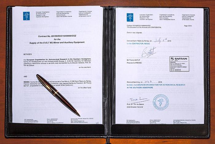 Der Vertrag über das Schleifen des E-ELT-Sekundärspiegels
