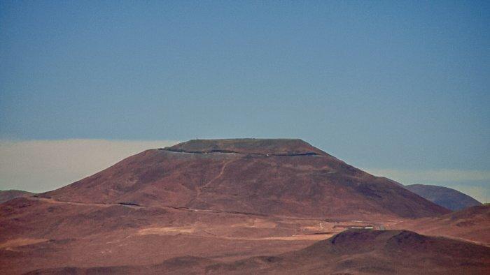 Cerro Armazones visto desde Paranal con la nueva cámara web de Paranal