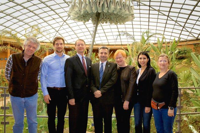Ehemalige finnische Präsidentin besucht die ESO in Chile