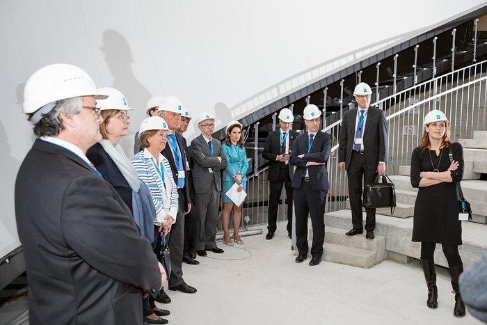 Konsularisches Korps in Bayern besucht ESO-Hauptsitz und Supernova