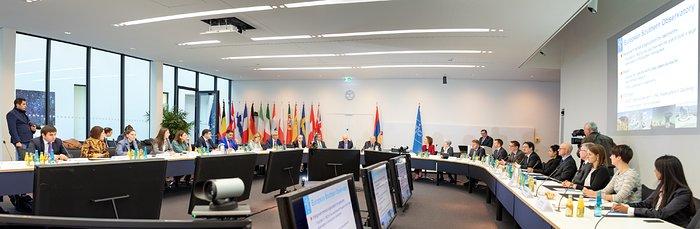 Presidente de Armenia visita oficina central de ESO