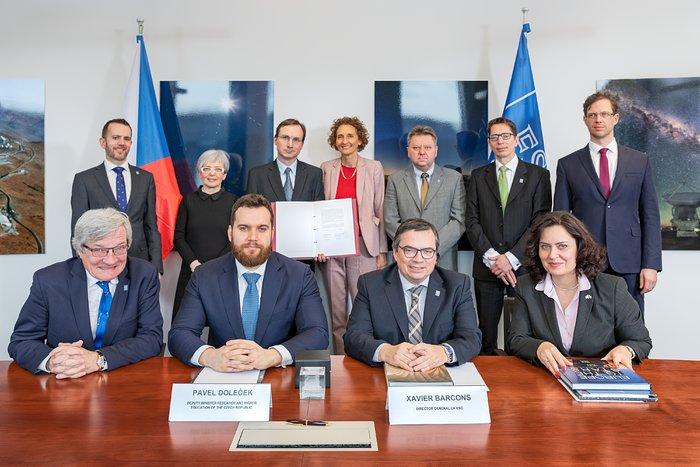ESO y República Checa firman convenio para programa de capacitación