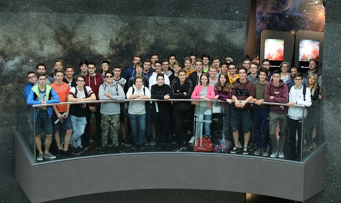 Photo of the 10,000th visitor of the ESO Supernova (the whole group)