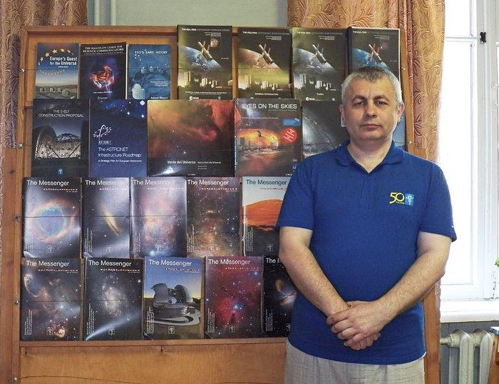 ESO дарує КрАО книги з нагоди своєї 50-ю річниці