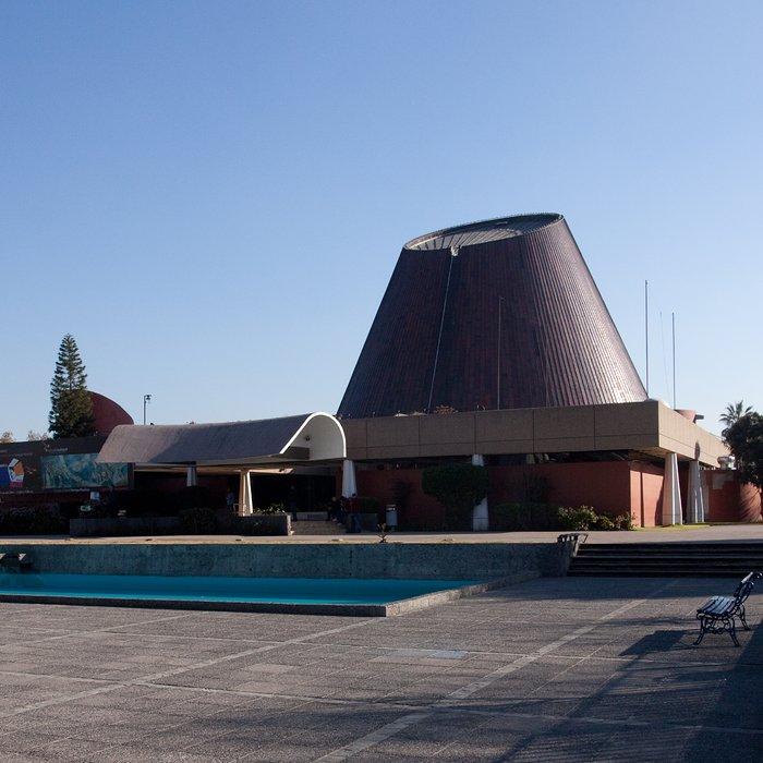 ESO celebra 50 años en el Planetario de Santiago