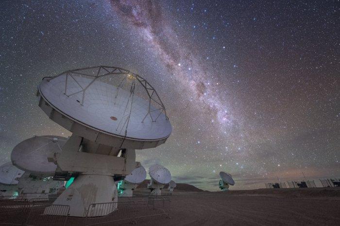 Diagonal galactic streak