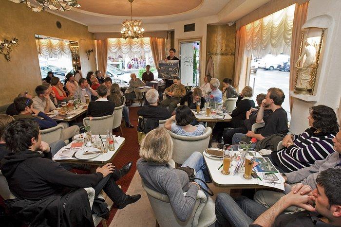 Café & Kosmos: