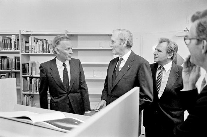 Woltjer and Carstens, 1980