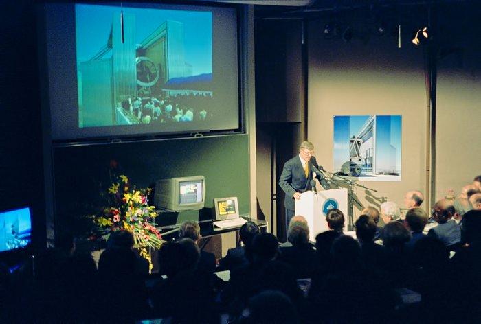 Harry van der Laan Speaks to Chile and Garching