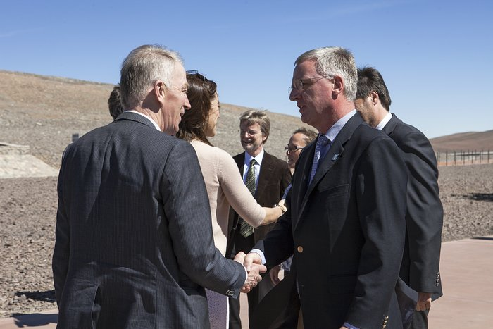 Royal visit to Paranal