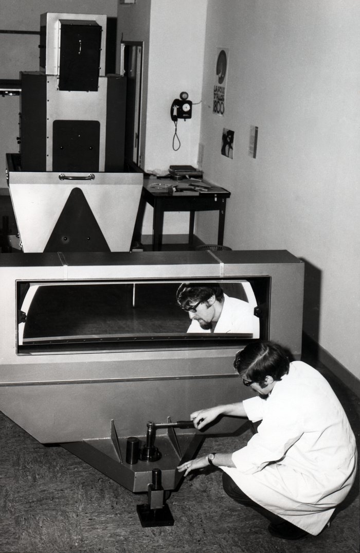 Echelle spectrograph with Bowens camera, 1968