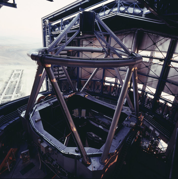 VLT first unit telescope ANTU
