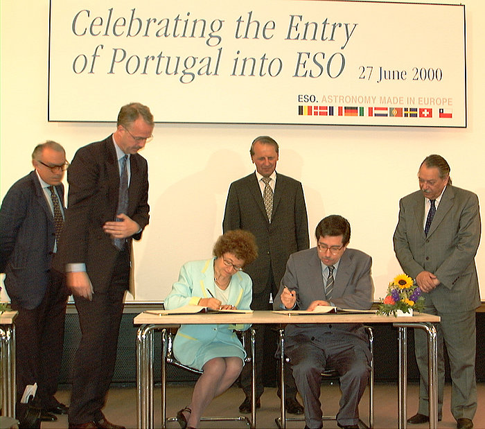 Portugal-ESO agreement signing