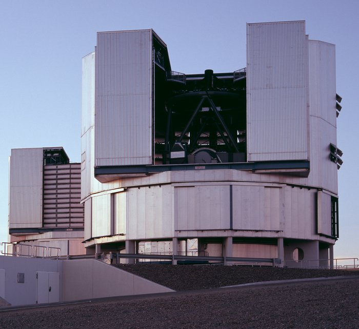 The VLT Unit Telescopes Yepun and Melipal