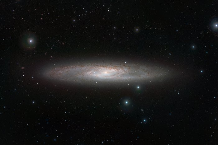 VISTA's infrared view of the Sculptor Galaxy (NGC 253)
