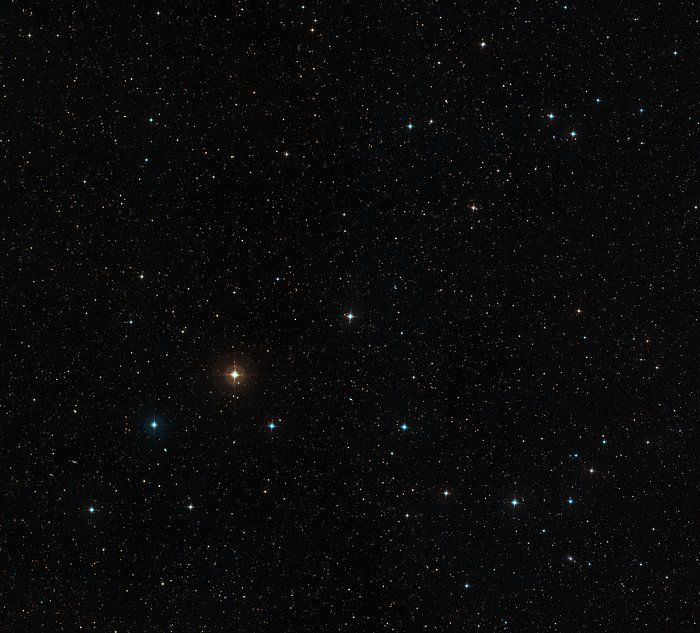 Wide-field view of the sky around the star HD 10180