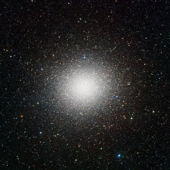 Imagem VST do enxame globular gigante Omega Centauri