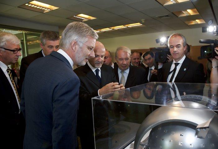 Príncipe Felipe de Bélgica visita oficinas de ESO en Santiago, Chile