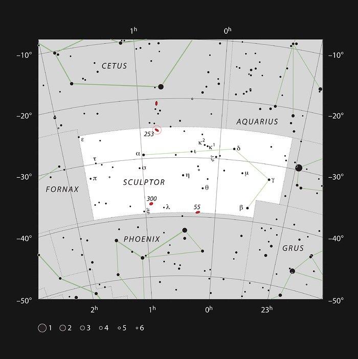 Galaktika NGC 253 në konstelacionin e Skulptorit