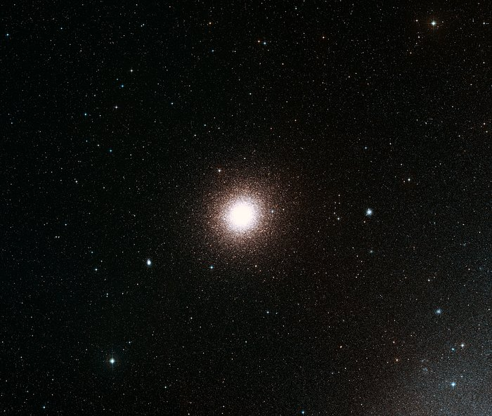 Wide-field view of the sky around the globular cluster 47 Tucanae