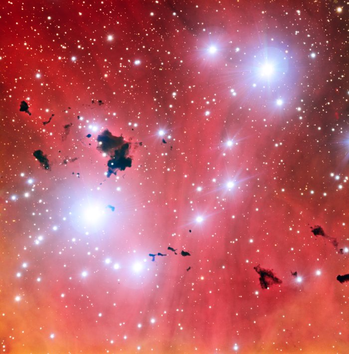The Very Large Telescope snaps a stellar nursery and celebrates fifteen years of operations