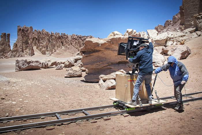 Director of Photography van de MAX®-3D-film Hidden Universe, Malcolm Ludgate, aan het filmen