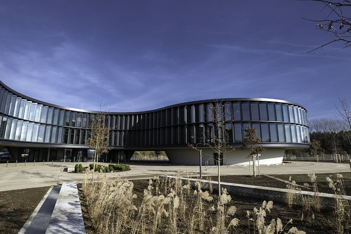 O novo edifício de gabinetes e salas de conferência do ESO