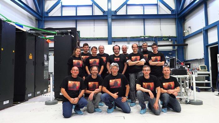 GRAVITY — instrumentteamet under de första observationerna vid Paranal